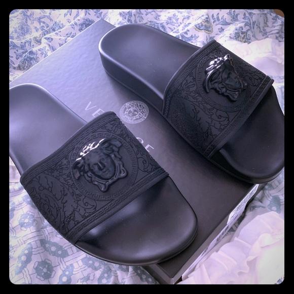 1e3085f2 Versace Womens Baroque Slides Black Size 39/9 NWT